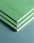 влагостойкие гипсокартонные плиты называют зелеными из-за цвета
