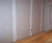 гипсокартонные плиты на стене