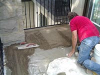 цементный раствор прекрасно подходит для укладки плитки