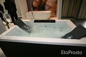 Ванная с гидромассажем на несколько человек