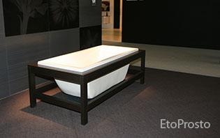 Черно-белая ванна как альтернатива черной